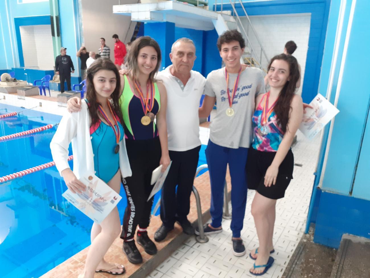 Ապագա բժիշկները հաջողություններ են գրանցել լողի միջբուհական առաջնությունում