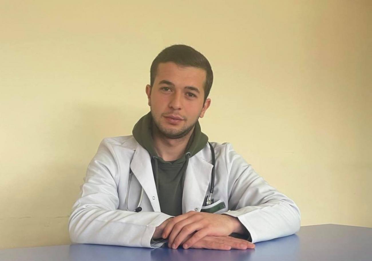 Ռազմական բժիշկը  տիրապետում է  երկու կարևոր մասնագիտության՝ բժշկի և զինվորականի
