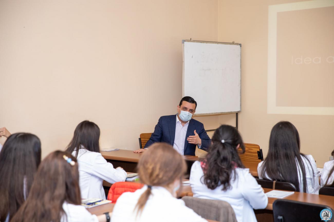 Բժշկության թվայնացմանը նվիրված ինտերակտիվ դասախոսություն՝ ապագա բժիշկների մասնակցությամբ