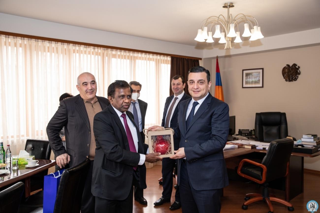 Հայաստանում Շրի Լանկայի դեսպանն այցելեց ԵՊԲՀ