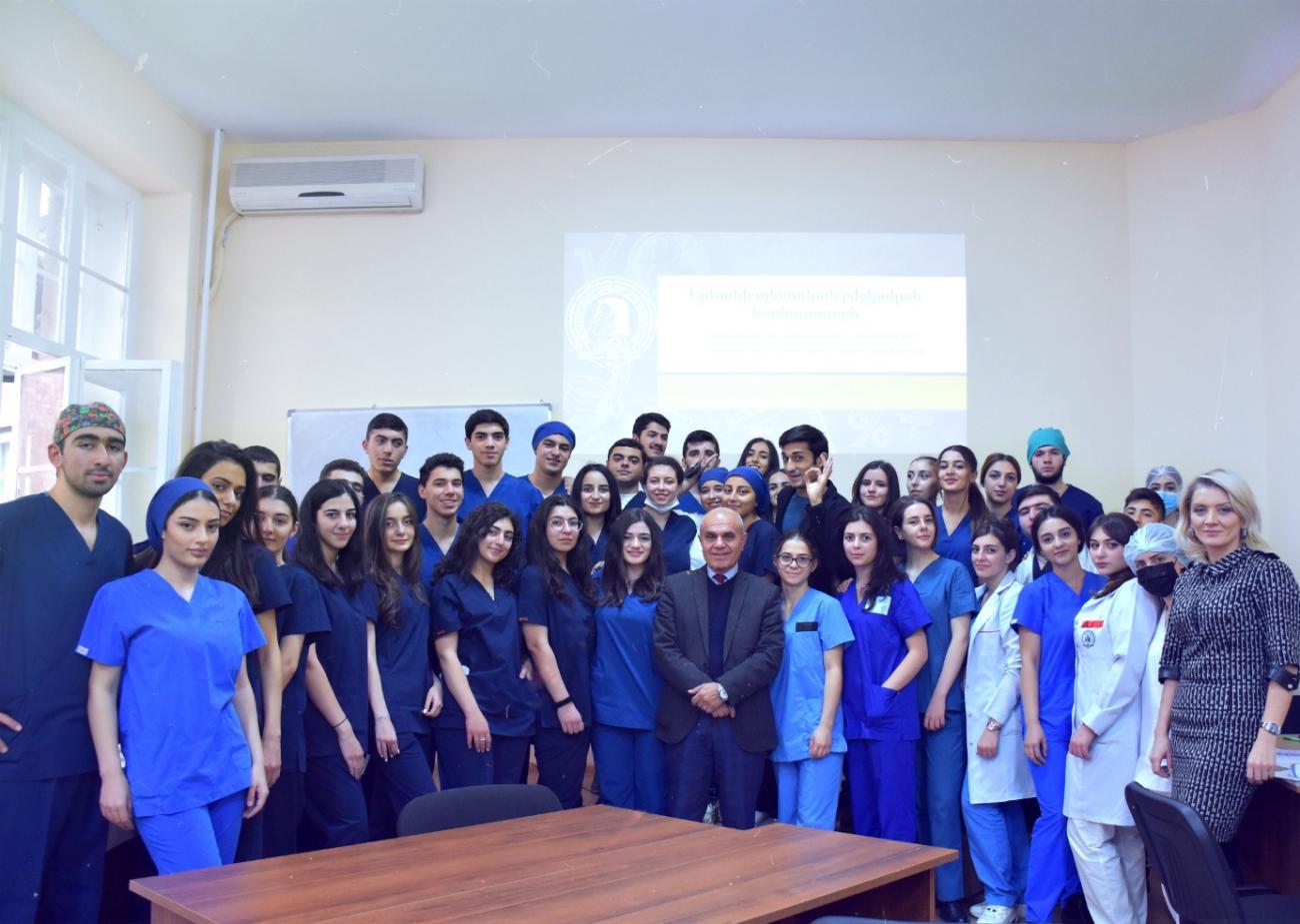 Գիտական հրավառություն տեղագրական անատոմիայի և օպերատիվ վիրաբուժության ակումբում