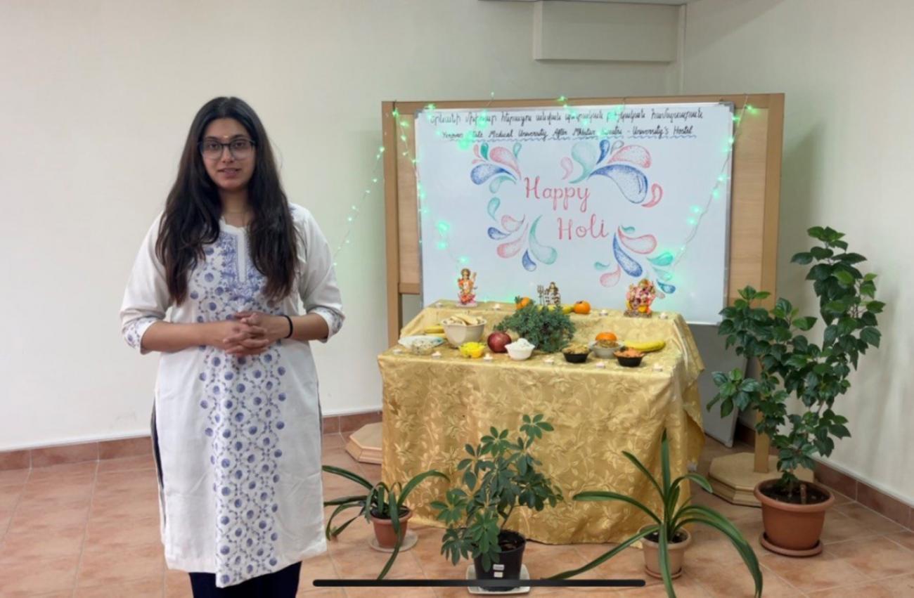 ԵՊԲՀ հնդիկ ուսանողները նշեցին գույների և գարնան տոնը՝ Հոլին