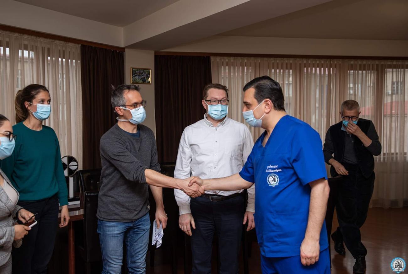 Լիոնից ժամանած  բժիշկները ԵՊԲՀ-ում էին